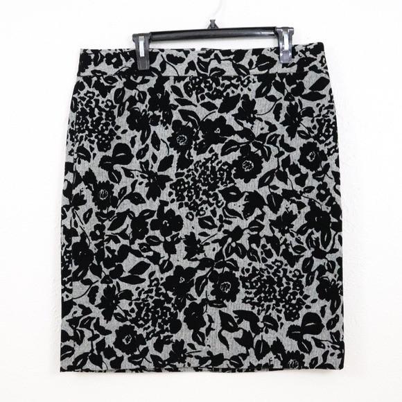 Ann Taylor | Floral Velvet Black Skirt